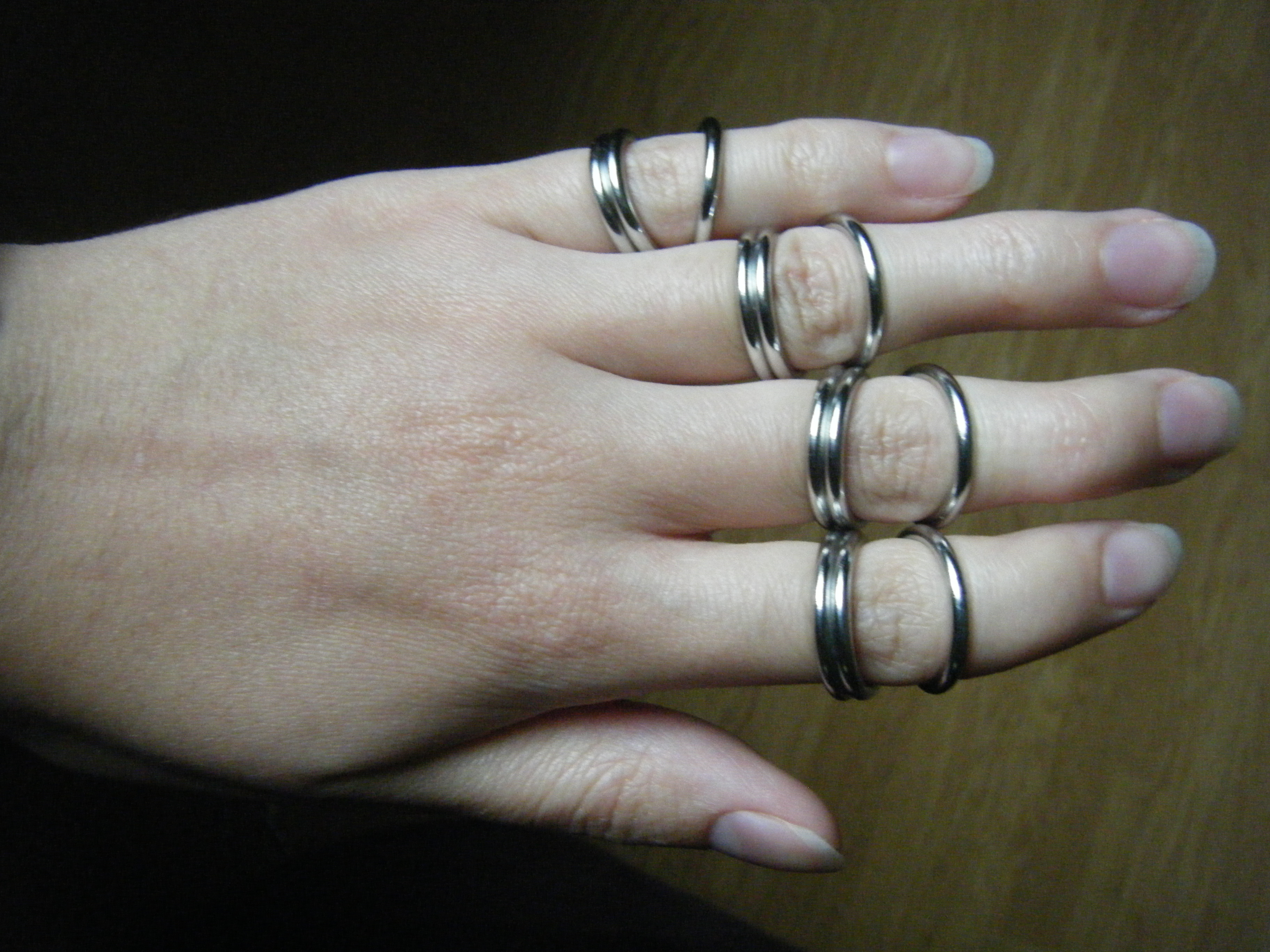 finger braces 1