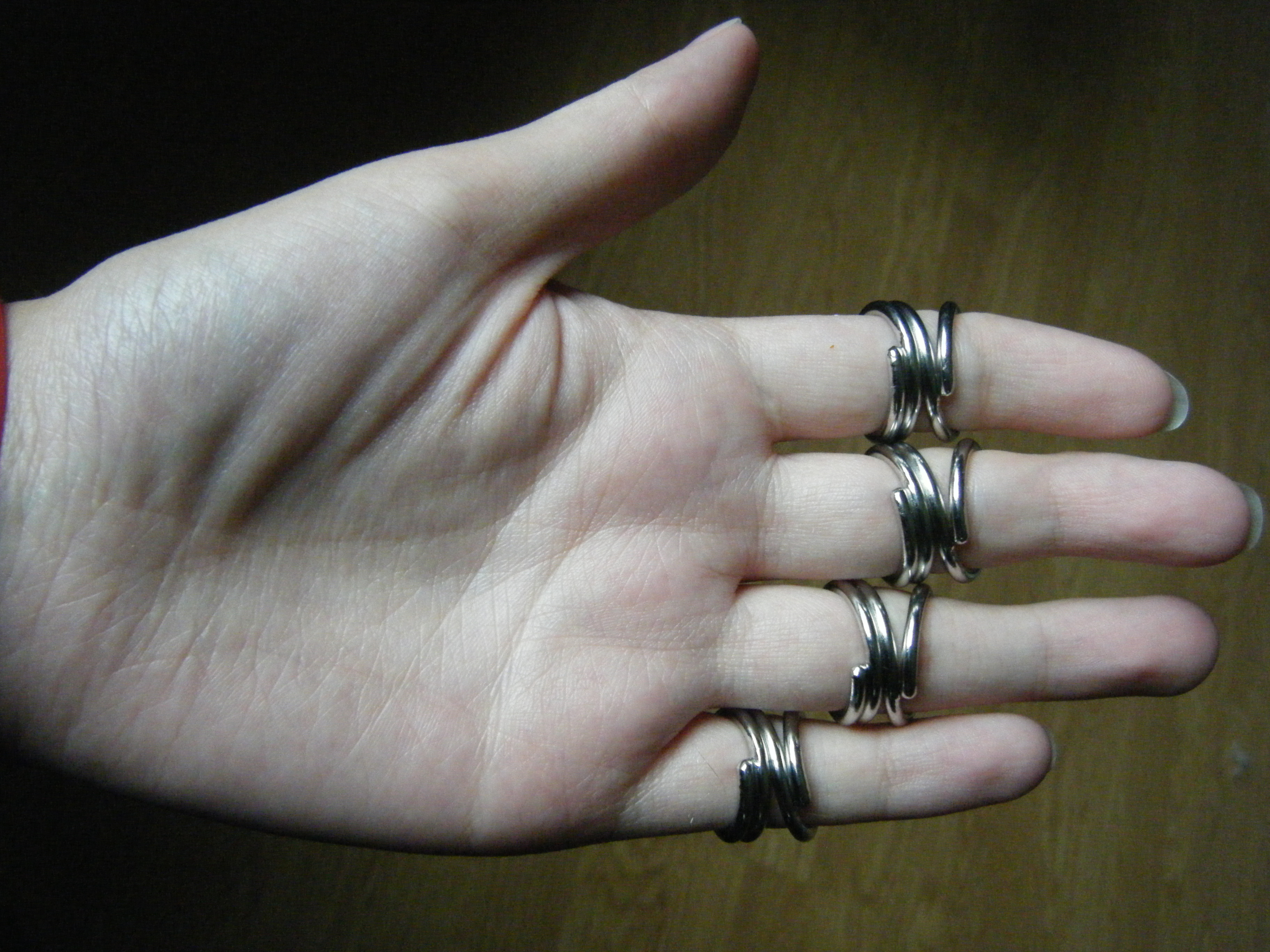 finger braces 2